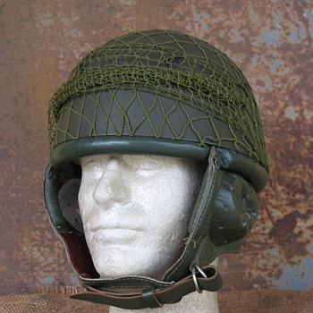 Polish WZ63 / East Germany Paratrooper steel helmet - Military and Wartime