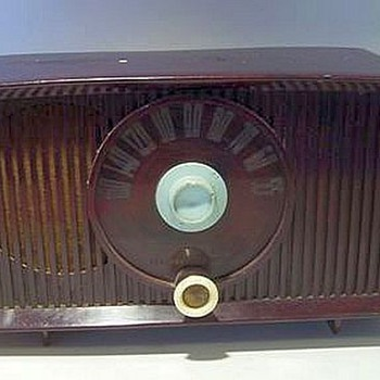 General Electric (GE) TUBE RADIO -- Working - Radios
