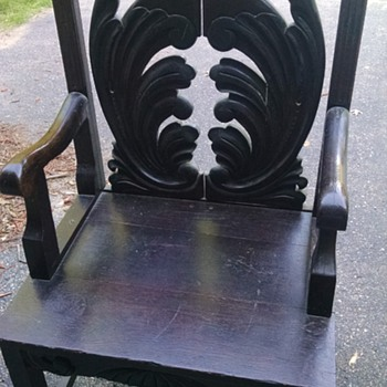 Wooden chair that looks like Its from Game of Thrones