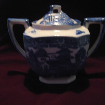 Flo Blue? Blue Willow? Sugar Bowl? Made in Japan - Art Pottery
