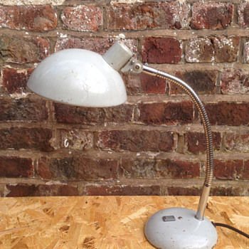Help Identifying a Desk Lamp