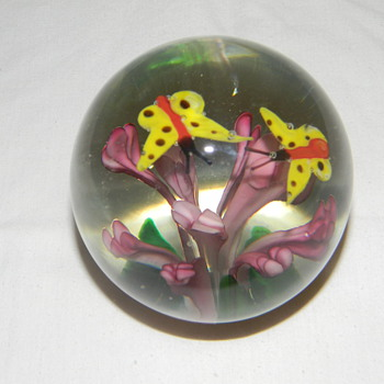 glass paper weight - Art Glass