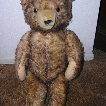 STEIFF TEDDY BEAR YEAR ? ear button is missing.