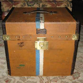 Antique French Hat Trunk - Furniture