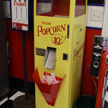 Popcorn dispenser