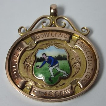 1934 Lawn Bowls Trophy Fob 10K Gold & Handpainted Porcelain  - Medals Pins and Badges