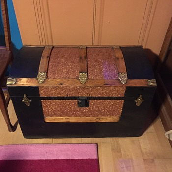 steamer trunk dome top with  embossed flower and leaf tin
