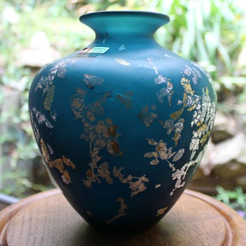 Kurata teal vase and sparkles - Art Glass