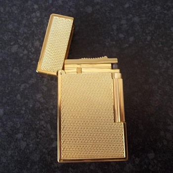 S.T. DUPONT Lighter, gilted, Made in Paris - Tobacciana