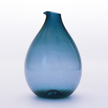 Blue jug, Kjell Blmberg (Gullaskruf, 1963) - Art Glass