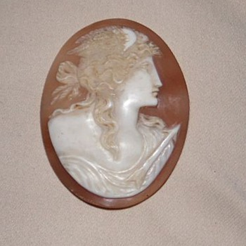 Beautiful antique cameo - Who is she?
