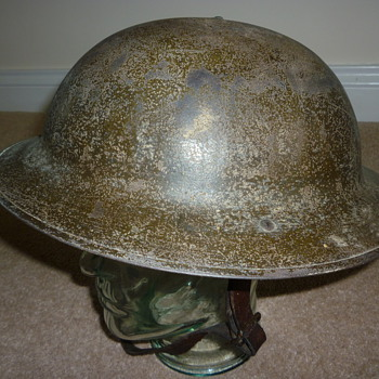 Standard British WW1 steel helmet.
