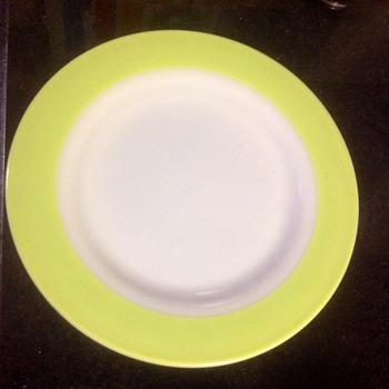 Vintage Pyrex plates