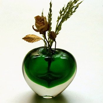 Emerald Green Vase - Art Glass