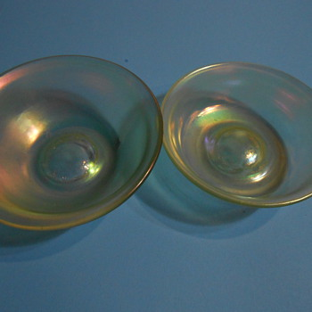 Need Help Identifying These Iridescent Small Bowls - Art Glass