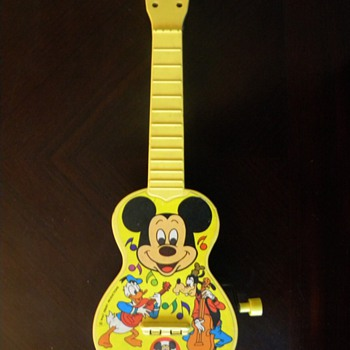 Mickey Mouse Club Mousegetar musical box  - Guitars