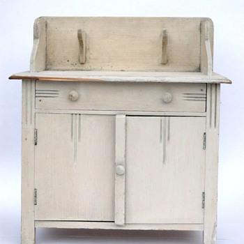 meuble de toilette - bois peint vers 1920