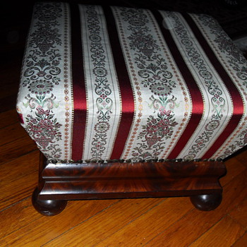 19th CENTURY MAHOGANY UPHOLSTERED BOX STOOL - Furniture