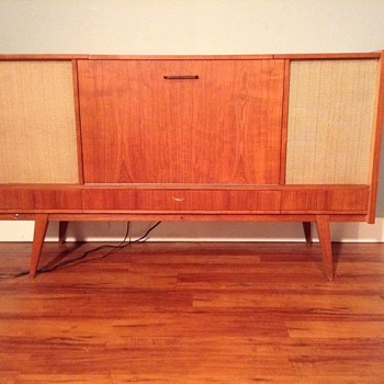 Loewe Opta tube radio console in teak - Mid-Century Modern