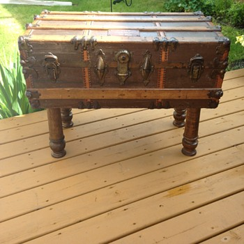 1906 steamer trunk