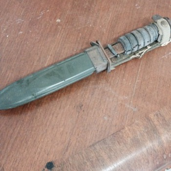 M3 Camillus Knife - Military and Wartime