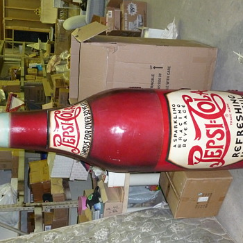 RARE 1930'S PEPSI BOTTLE 6 feet TALL! OK, IT'S MADE OF WOOD....