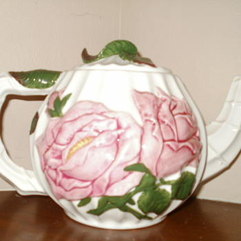 Philippines Rose Tea Pot - Kitchen
