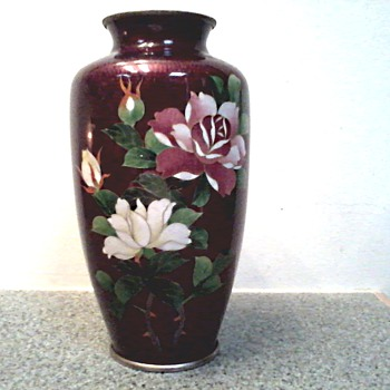 Vibrant Ando Japanese Pigeon Blood (Akasuke) Cloisonne Vase / Rose Design  / Circa 1900- 1940