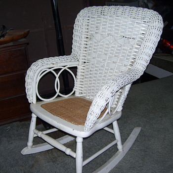 VINTAGE WICKER CHILDS ROCKER