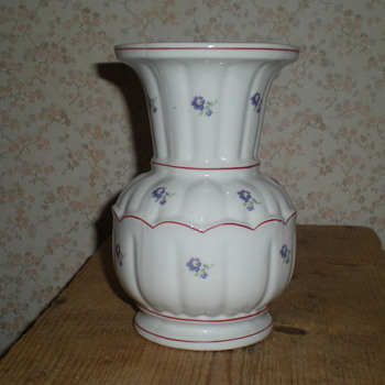 Bulgarian porcelain vase.
