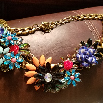 Flower necklace vintage