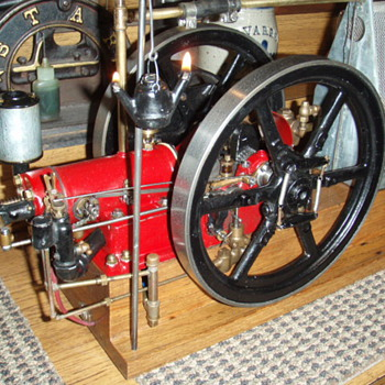 6 hp. International Harvester Screen cooled Famous Hit/Miss (scale model)