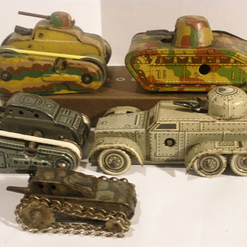 Miniture tin wind ups, military edition! Mixed makers, Gama, Kellermann, German and Japanese.  - Model Cars