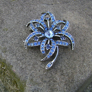 Vintage KC Brooch - Costume Jewelry