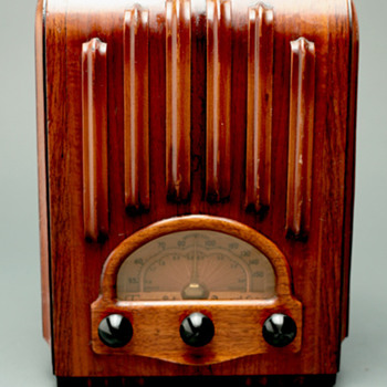 "Emerson Model AU213 ""Ingraham Cabinet"" Tube Radio - Radios"
