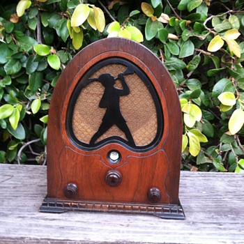 Vintage Jackson Bell Mini Cathedral Peter Pan Tube Radio 1931