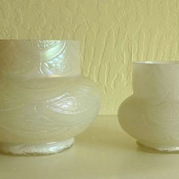 Kralik Mother of Pearl vases in two sizes