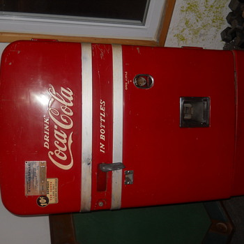 Classic Coke Machine
