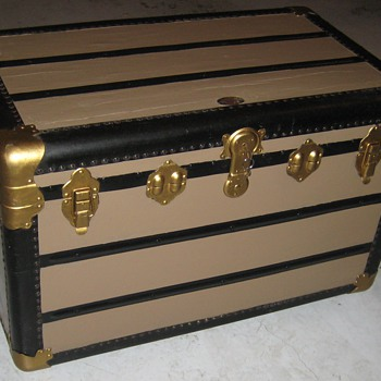 1920's Union Supreme Trunk - Furniture