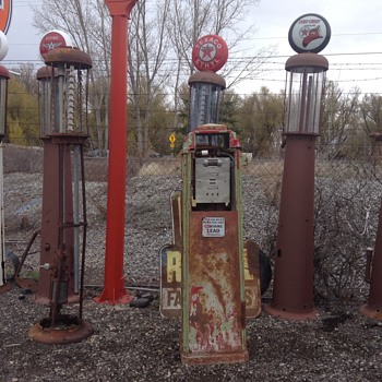 More Gas Pumps - Petroliana