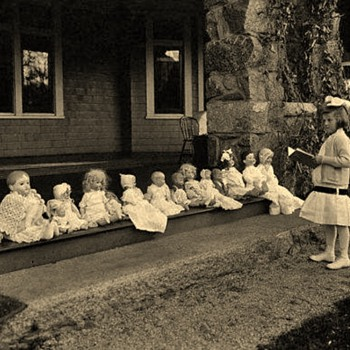 1920's School is being held :-)  - Dolls
