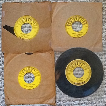 Vintage: Elvis Presley Four Of Five Sun Label 1954 45 Vinyl Release Songs - Records