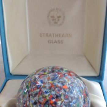 Strathearn P28 Aurora Paperweight - Art Glass