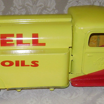 Shell oil truck made by Buddy L