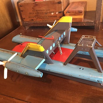 Vintage metal toy made in Japan - never seen one and don't know what it is?  Boat? Plane, Spaceship?
