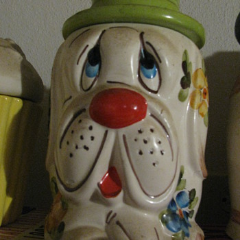 Old Cookie Jars - Kitchen