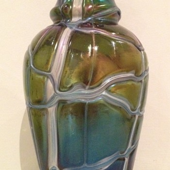 Kralik veined iridescent vase - Art Glass