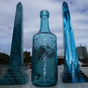 TURQUOISE J KERSHAW & SONS GATESHEAD GLASS GINGER BEER - Bottles