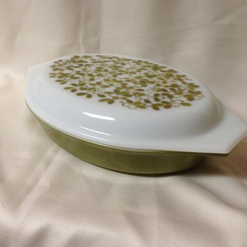 "Pyrex ""Verde"" Divided Dish"