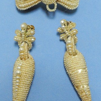 Weird Victorian Seed Pearl + Human Hair + Mother Pearl Brooch Earring Set